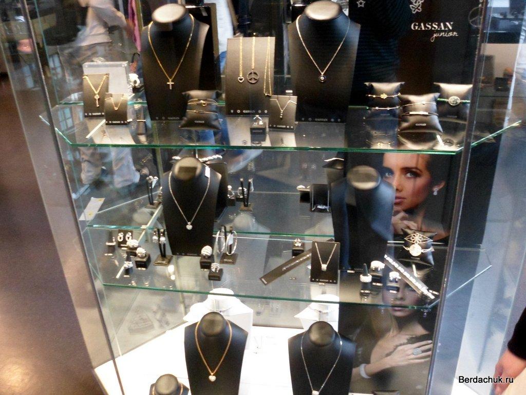Способы привлечения клиентов в магазин украшений   Больше Продаж 8a4fb24911b