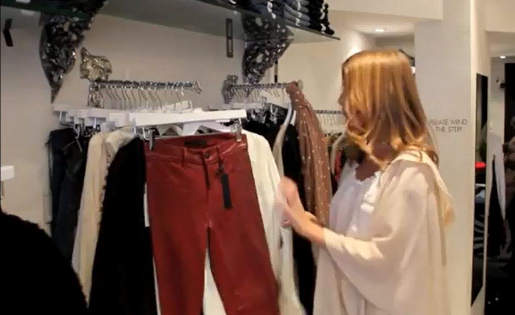 Шоурум одежды для работы с VIP клиентами   Больше Продаж 1eb658218d1