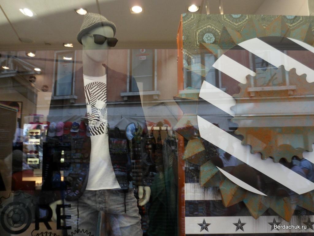 Как увеличить продажи дорогой мужской одежды. витрина магазина c3dc4beabc7